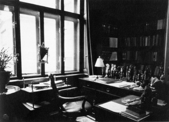 Edmund Engelman, Veduta dello studio di Sigmund Freud, Berggasse 19, Vienna (1938)